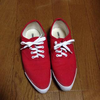 コムサイズム(COMME CA ISM)の赤いスニーカー*(スニーカー)