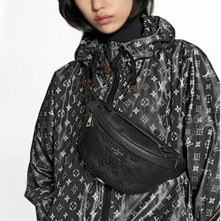 LOUIS VUITTON - 新作 限定☆すぐ届く Louis Vuitton アンプラント バムバッグ 黒