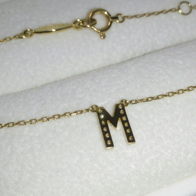 AHKAH(アーカー)のアーカー AHKAH ダイヤ0.06ct K18 イニシャルネックレス(M) レディースのアクセサリー(ネックレス)の商品写真