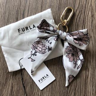 Furla - 新品 フルラ スカーフ リボン キーホルダー 花柄 20〜21年秋冬新作♡