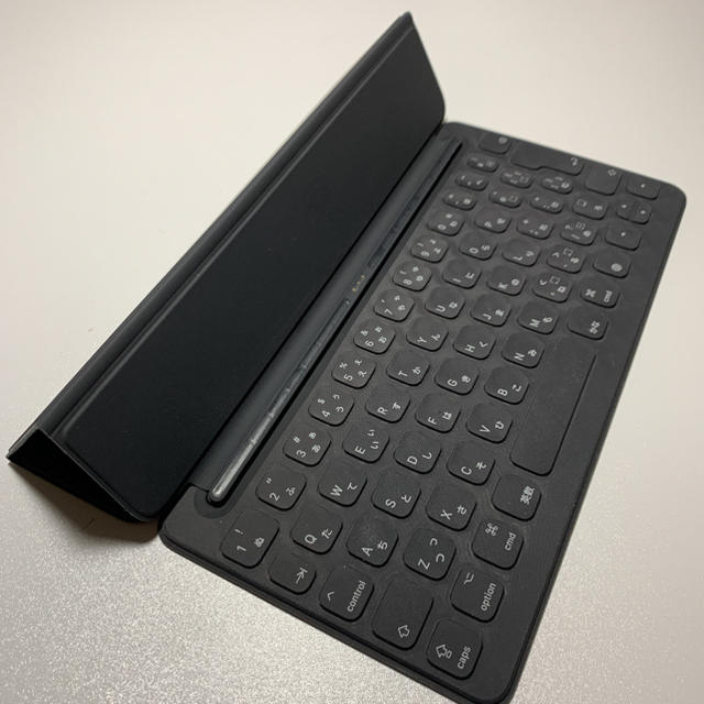 Apple(アップル)のAPPLE SMART KEYBOARD スマートキーボード スマホ/家電/カメラのスマホアクセサリー(iPadケース)の商品写真