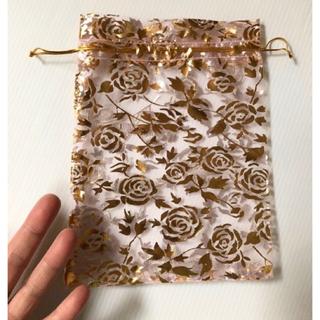 未使用 淡いピンクにキラキラゴールド薔薇柄 ラッピング巾着袋(カード/レター/ラッピング)