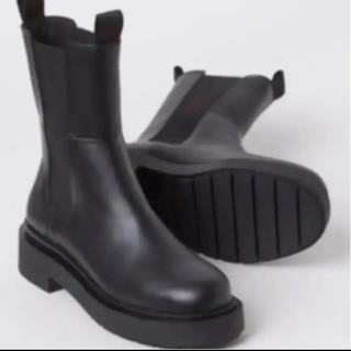 エイチアンドエム(H&M)の H&M ハイプロファイルチェルシーブーツ 38(ブーツ)