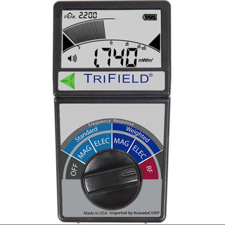 5G 高圧線 携帯基地局 iphone 電磁波の測定に TF2(電磁波測定器)(その他)
