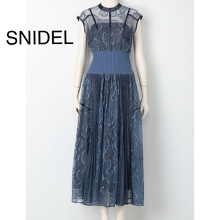スナイデル(snidel)の★新品未使用★スナイデル スィッチングレースドレス(ロングドレス)