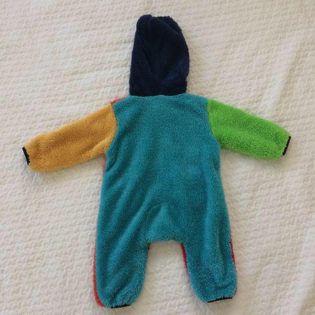 DENIM DUNGAREE(デニムダンガリー)の クレイジーパターンカラフル可愛いふわもこボアフード付 ロンパースカバーオール キッズ/ベビー/マタニティのベビー服(~85cm)(カバーオール)の商品写真