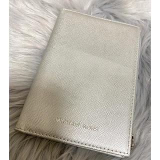 マイケルコース(Michael Kors)のMICHAEL KORS パスポートケース(コインケース)