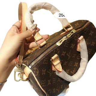 LOUIS VUITTON - LOUIS VUITTONハンドバッグ