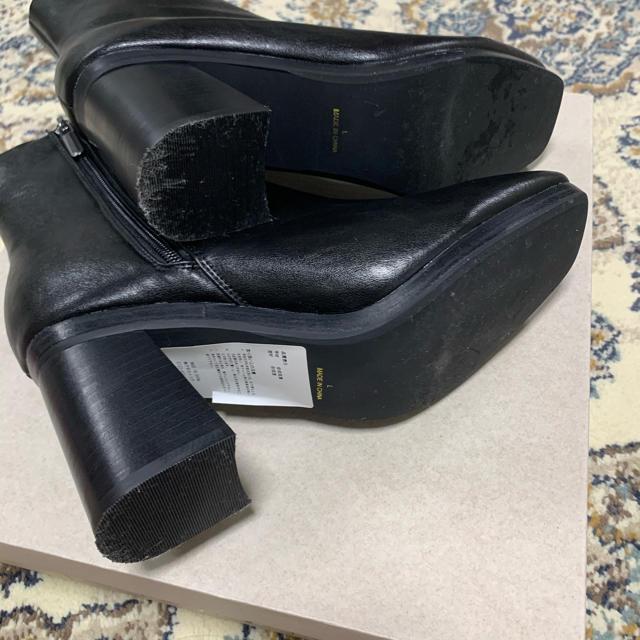 JEANASIS(ジーナシス)の【今週のみ値下げ中】JEANASIS ショートブーツ BLK Lsize レディースの靴/シューズ(ブーツ)の商品写真