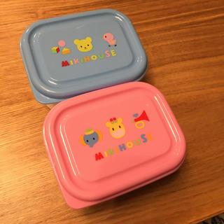 ミキハウス(mikihouse)の【未使用品】ミキハウス タッパー2個とマッシャーのセット(離乳食調理器具)