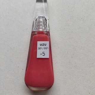 フローフシ(FLOWFUSHI)のUZU リップトリートメント +5 未使用(リップグロス)