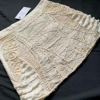 ZARA - Bershka the collection 刺繍 デザイン スカート