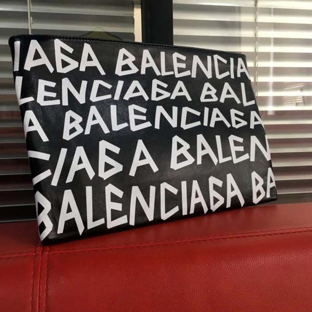 Balenciaga(バレンシアガ)のほぼ未使用/クラッチバッグ ブラック☆バレンシアガ メンズのバッグ(セカンドバッグ/クラッチバッグ)の商品写真