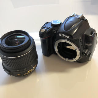 Nikon - Nikon D5000     デジタル一眼レフカメラ