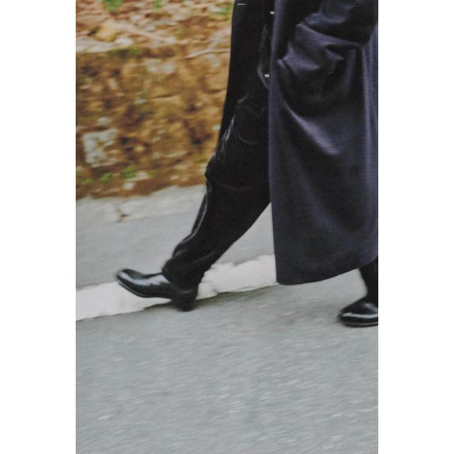 COMOLI(コモリ)のCOMOLI 20AW 新作ベロアジャージトラックパンツ サイズ3 新品未使用 メンズのパンツ(その他)の商品写真
