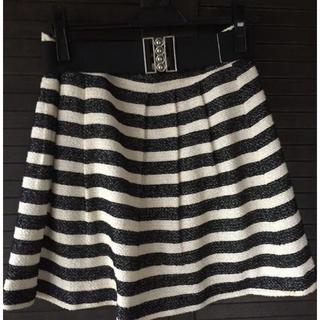 スコットクラブ(SCOT CLUB)の黒×白 モノトーンスカート(ひざ丈スカート)