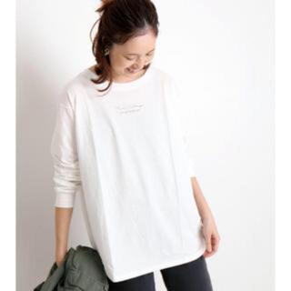 イエナスローブ(IENA SLOBE)の『SLOBE IENA』mon village ロゴTシャツ(Tシャツ(長袖/七分))