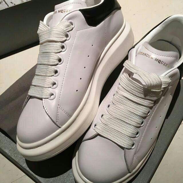 Alexander McQueen(アレキサンダーマックイーン)のalexandermcqueen スニーカー メンズの靴/シューズ(スニーカー)の商品写真