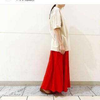 ルカ(LUCA)のLUCAの麻のレッドスカート(ロングスカート)