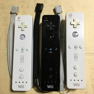 Wii - Wiiリモコン白黒3本、ストラップ付き
