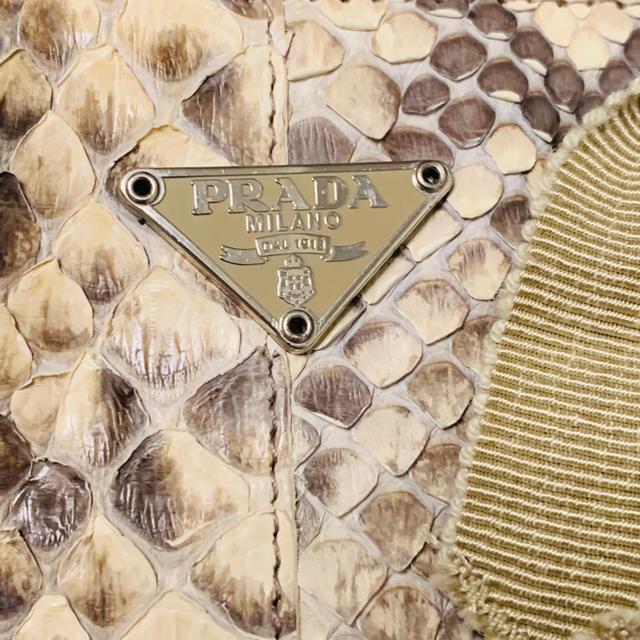 PRADA(プラダ)のPRADAヘビ革ミニバッグ袋カードあり レディースのバッグ(ハンドバッグ)の商品写真