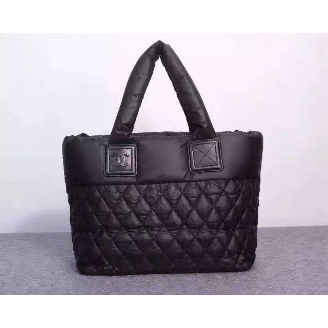 CHANEL(シャネル)のシャネルコココクーンMM キルティング ファスナーあり CCマーク 手提げ レディースのバッグ(トートバッグ)の商品写真