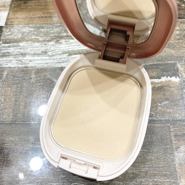 ALBION(アルビオン)のアルビオン パウダレストファンデーション コスメ/美容のベースメイク/化粧品(ファンデーション)の商品写真