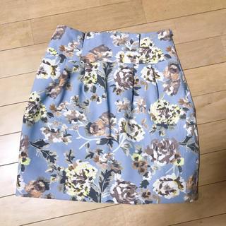 ノエラ(Noela)の花柄スカート(ミニスカート)
