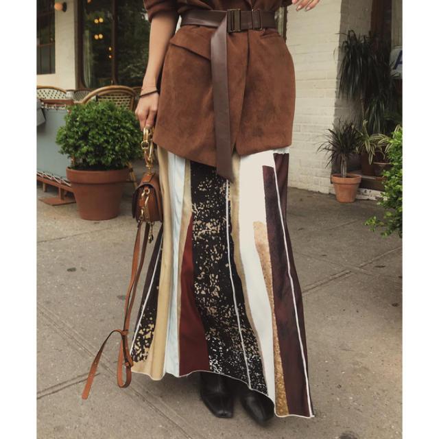 Ameri VINTAGE(アメリヴィンテージ)のアメリ FUDE ART SKIRT レディースのスカート(ロングスカート)の商品写真
