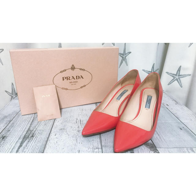 PRADA(プラダ)のPRADA♦︎ネオンピンクパンプス♦︎ レディースの靴/シューズ(ハイヒール/パンプス)の商品写真