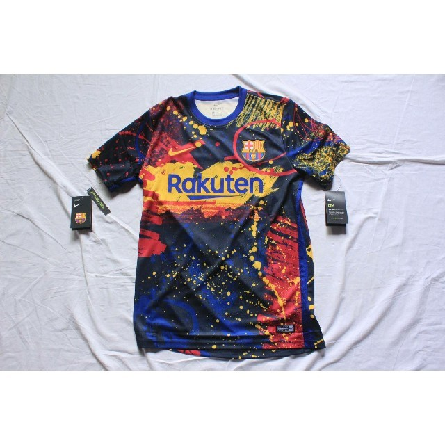 NIKE(ナイキ)の入手困難 バルセロナ ナイキ プレマッチウェア 正規品 日本未発売 スポーツ/アウトドアのサッカー/フットサル(ウェア)の商品写真