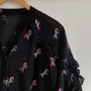 GRACE CONTINENTAL - GRACE CONTINENTAL ホース刺繍フリルトップ