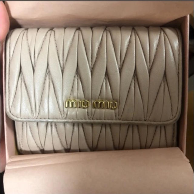miumiu(ミュウミュウ)のmiumiu ミニウォレット レディースのファッション小物(財布)の商品写真