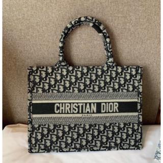 Christian Dior -  期間限定 クリスチャン ディオール  ブックトートバッグ
