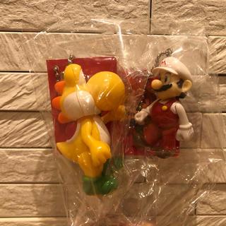 ニンテンドウ(任天堂)のスーパーマリオ スイングマスコット キーホルダー③ファイアマリオ&きいろヨッシー(ゲームキャラクター)