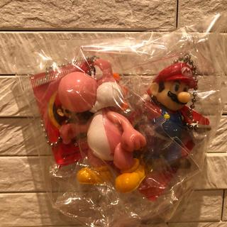 ニンテンドウ(任天堂)のスーパーマリオ スイングマスコット キーホルダー   ④マリオ&ピンクヨッシー(ゲームキャラクター)