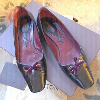 LOUIS VUITTON - ルイヴィトン  LOUIS VUITTON ブラック エナメル靴  22.5