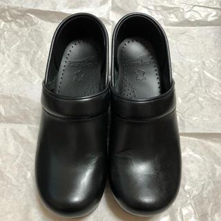 ダンスコ(dansko)の⭐️まえちょ様専用⭐️《美品》dansko Professional 35 BK(ローファー/革靴)