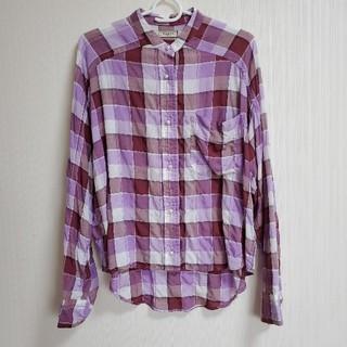 ブランバスク(blanc basque)のパールボタンシャーリングシャツ パープル(シャツ/ブラウス(長袖/七分))