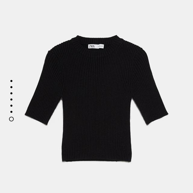 ZARA(ザラ)のZARA クロップド丈リブセーター ブラック レディースのトップス(ニット/セーター)の商品写真