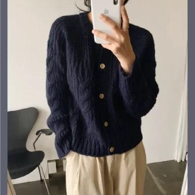 ZARA(ザラ)のレディース 新品未着用 タグ付き 秋冬 長袖 ニット カーディガン フリー A レディースのトップス(ニット/セーター)の商品写真