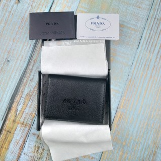 PRADA - プラダの定番サフィアーノシリーズの二つ折り財布