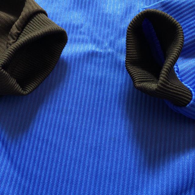 UMBRO(アンブロ)の美品 アンブロ  ピステ 150 スポーツ/アウトドアのサッカー/フットサル(ウェア)の商品写真