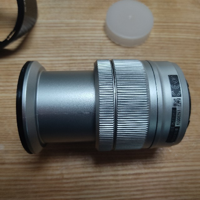 富士フイルム(フジフイルム)のFUJINON XC 16-50mm F3.5-5.6 OIS II シルバー スマホ/家電/カメラのカメラ(レンズ(ズーム))の商品写真