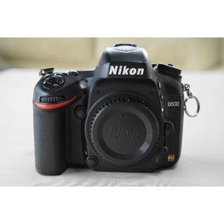 Nikon - ニコンFXデジタル一眼レフカメラD600のWレンズセット