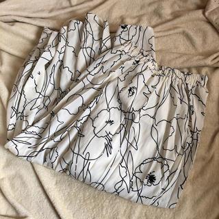 ZARA - グラフィック 花柄 フレア ロングスカート