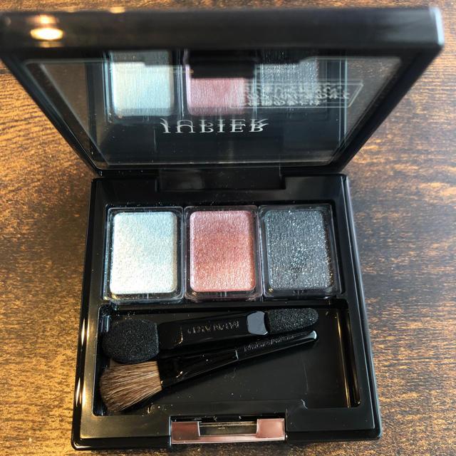MENARD(メナード)のメナード ジュピエルアイカラーコンパクト 2 コスメ/美容のベースメイク/化粧品(アイシャドウ)の商品写真