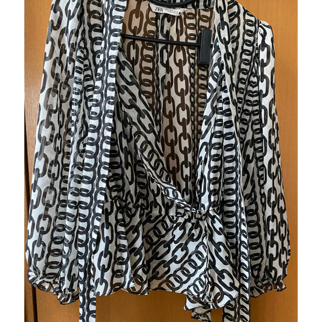 ZARA(ザラ)のZARA ブラウス レディースのトップス(シャツ/ブラウス(長袖/七分))の商品写真