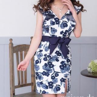 アン(an)のan ドレス フラワー 美品 S フリルショルダー(ミニドレス)
