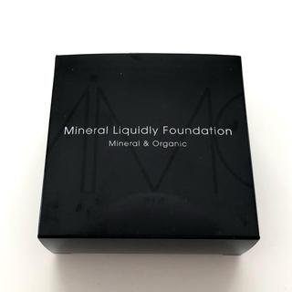 エムアイエムシー(MiMC)のミネラルリキッドリーファンデーション 新品パフ付 102(ファンデーション)